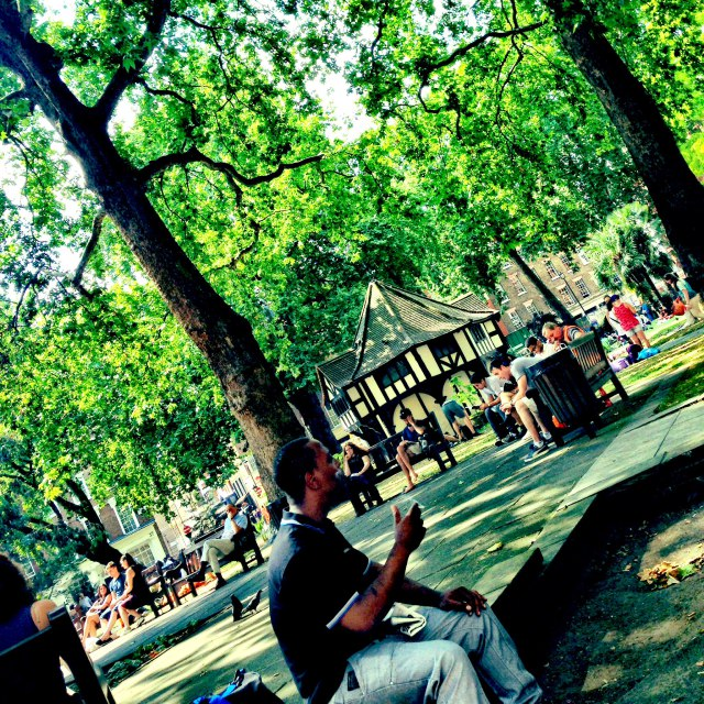 Self-organisation in Soho Square